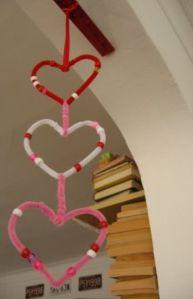 Los niños también pueden ayudar a decorar su salón con esta manualidad